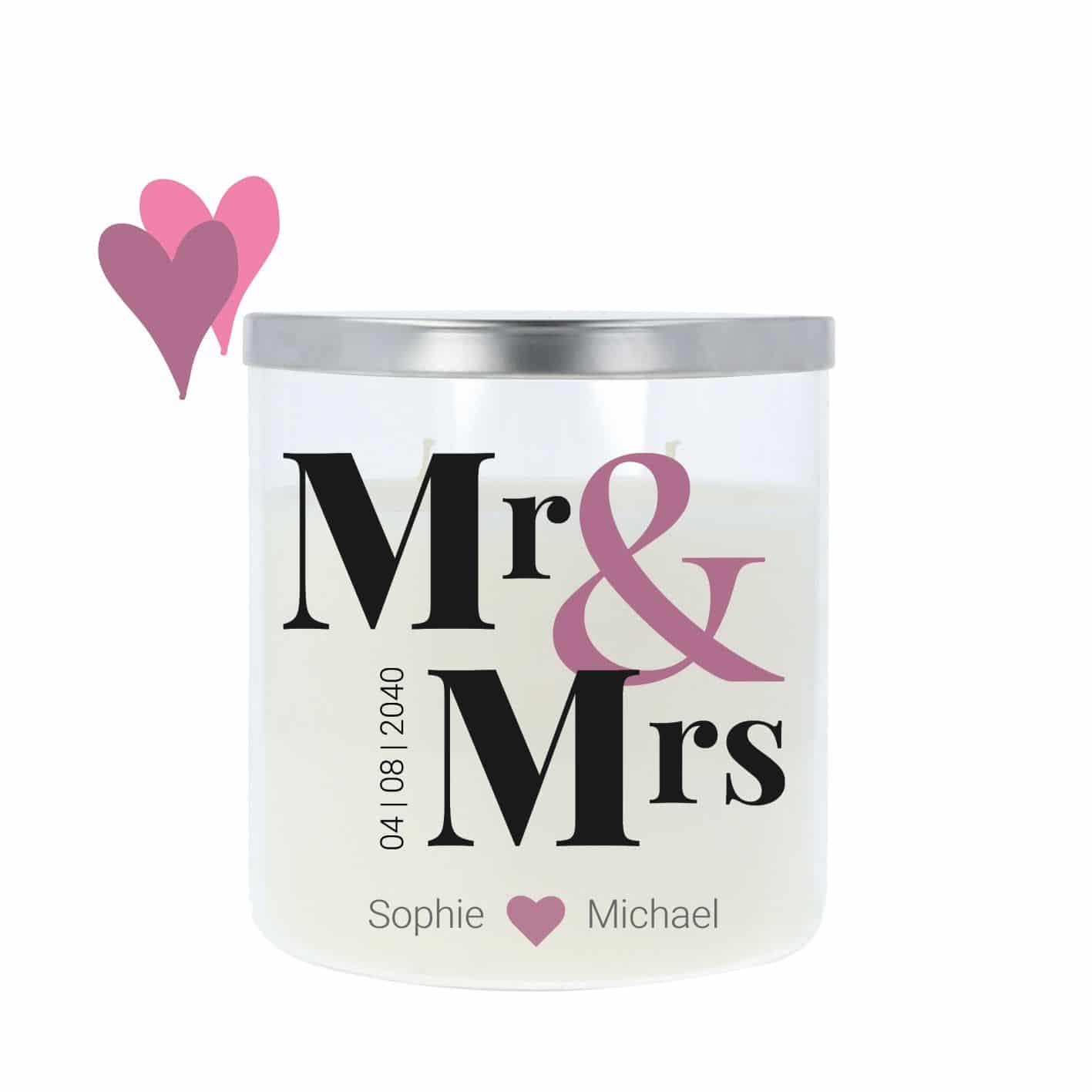 Hochzeitskerze im Glas mit silbernem Metalldeckel und moderner Mr & Mrs Aufschrift