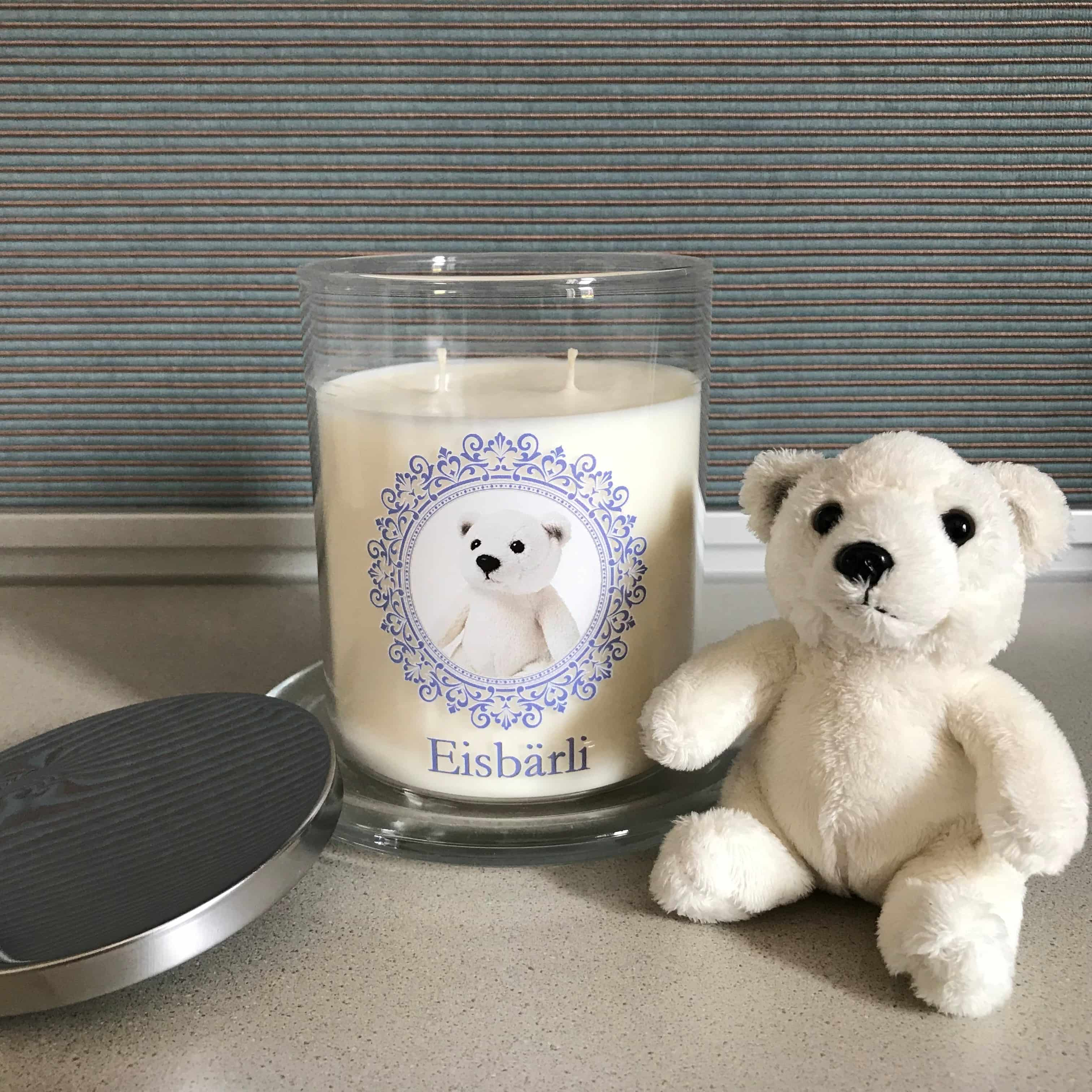 Eisbär auf Kerze im Glas