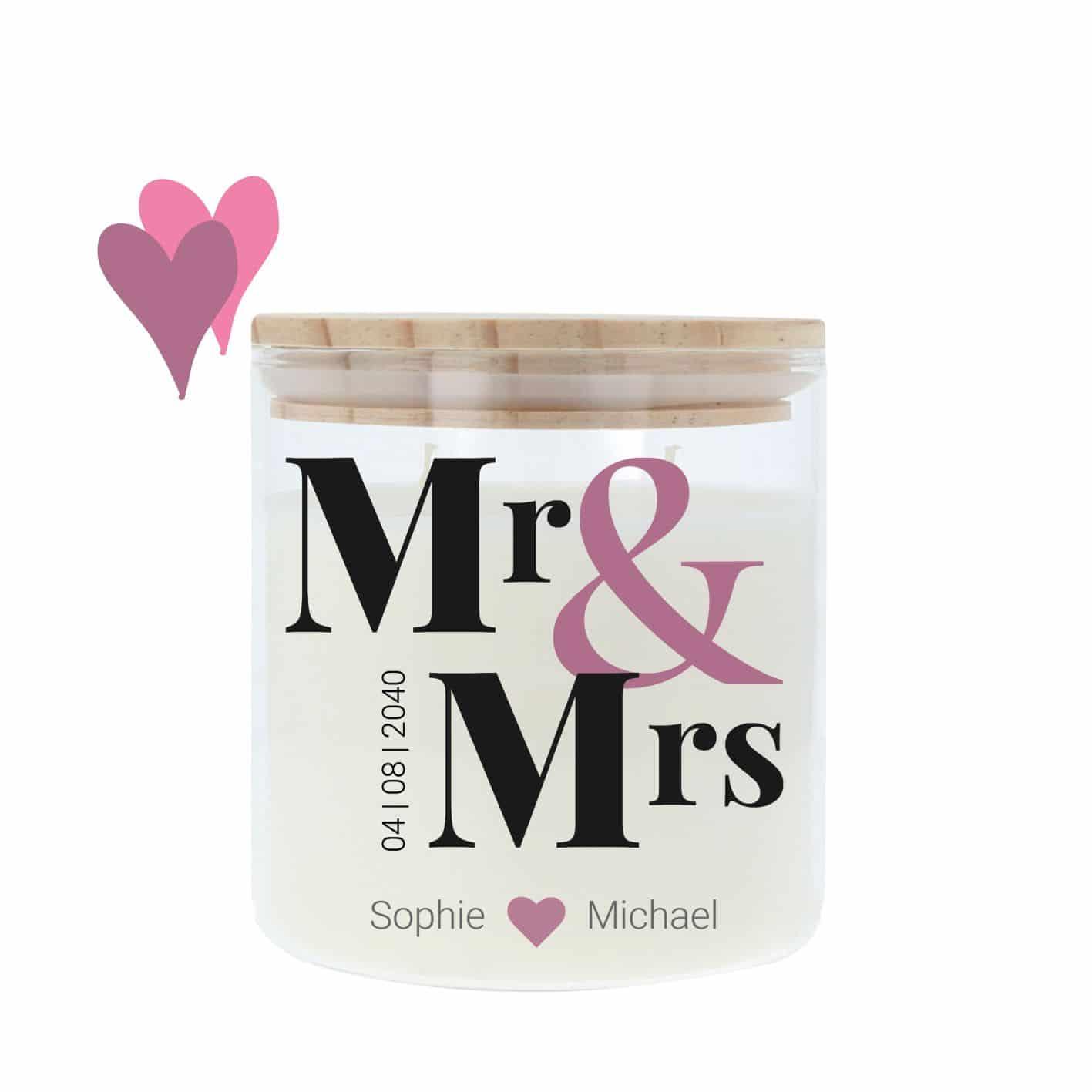 Hochzeitskerze im Glas mit hellem Holzdeckel und trendigem Mr & Mrs Motiv