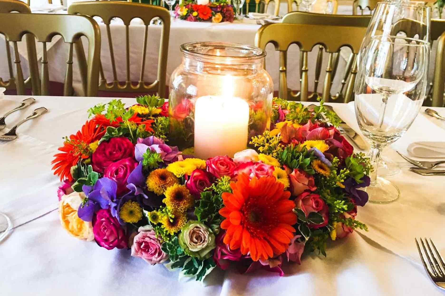 Kerzendekoration Hochzeit Blumenkranz