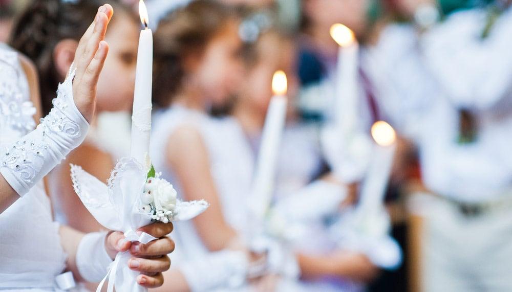 Altarkerze für Erstkommunion dekorieren
